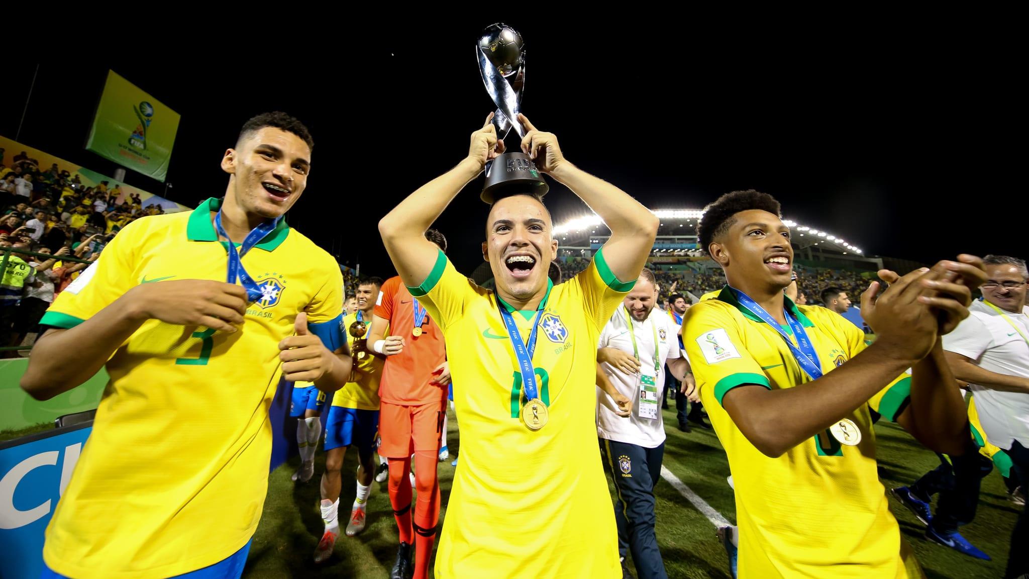 Matheus Araujo of Brazil celebrates