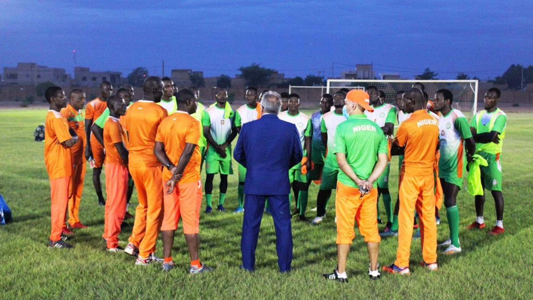 Niger coach Jean-Michel Cavalli with the players
