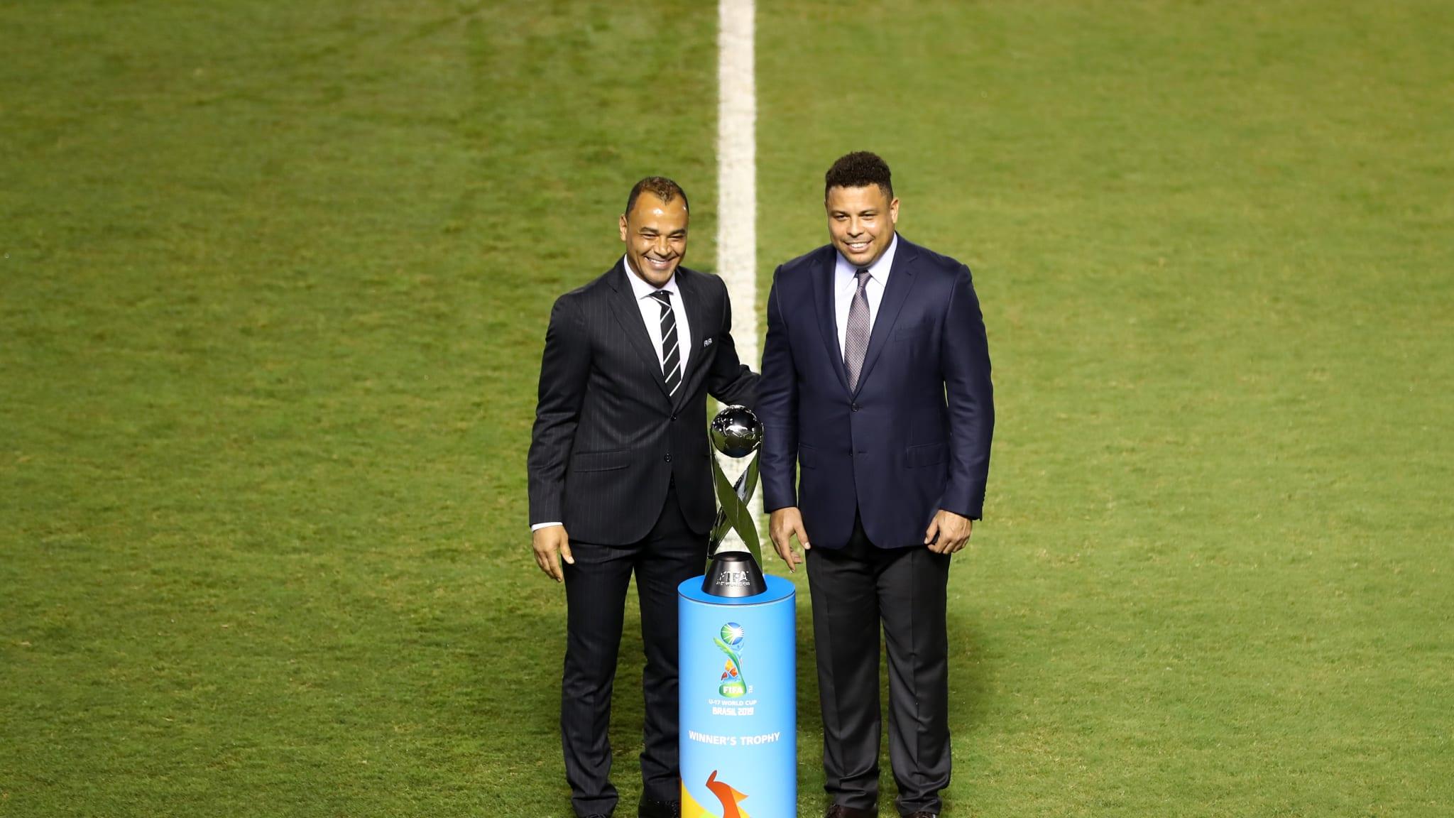 Former Brazil Internationals Cafu and Ronaldo pose for a photo
